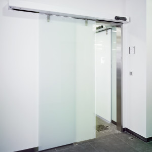 Automatické posuvné dveře systém DORMA CS 80 MAGNEO
